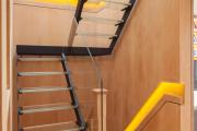 Фото 25 Лестницы из стекла: все, что нужно знать о монтаже и эксплуатации