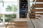 Фото 32 Лестницы из стекла: все, что нужно знать о монтаже и эксплуатации