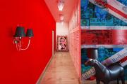 Фото 20 По стопам Энди Уорхола: подборка ярких интерьеров с обоями и постерами в стиле поп-арт