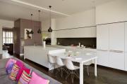 Фото 13 Как обустроить компактное спальное место на кухне? Дизайнерские идеи и варианты