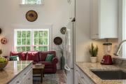 Фото 15 Как обустроить компактное спальное место на кухне? Дизайнерские идеи и варианты
