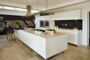 Фото 32 Островные вытяжки для кухни: ТОП-5 популярных моделей на рынке