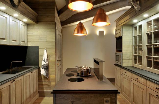 бытовой аксессуар, встроенный в кухонный остров