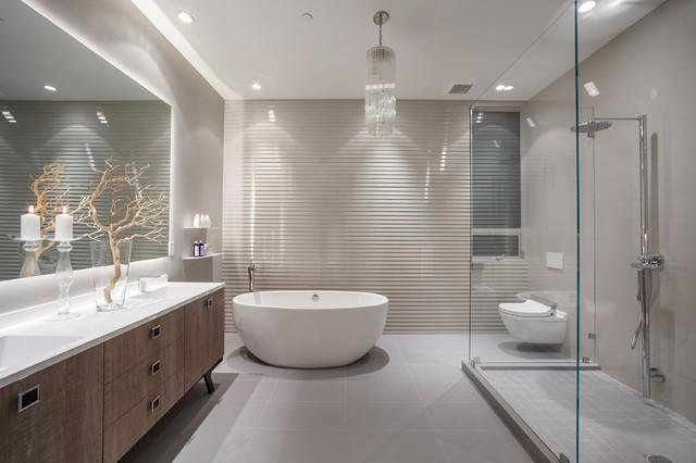 Минималистичный подвесной унитаз из фаянса гармонично впишется в интерьер сканди-ванной