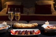 Фото 12 Романтический вечер дома: классические и оригинальные идеи для незабываемого вечера