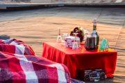 Фото 1 Романтический вечер дома: классические и оригинальные идеи для незабываемого вечера