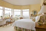Фото 22 Охра, лимонный и цитриновый: 60+ теплых идей для дизайна спальни в желтых тонах