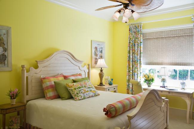 Светло-лимонный оттенок в тропическом дизайне
