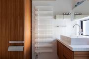 Фото 12 Выбираем столешницу для ванной из мозаики: дизайн, материалы и особенности укладки