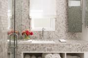 Фото 14 Выбираем столешницу для ванной из мозаики: дизайн, материалы и особенности укладки