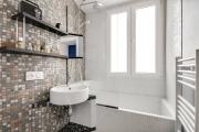 Фото 22 Выбираем столешницу для ванной из мозаики: дизайн, материалы и особенности укладки
