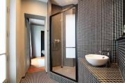 Фото 27 Выбираем столешницу для ванной из мозаики: дизайн, материалы и особенности укладки