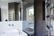 Фото 28 Выбираем столешницу для ванной из мозаики: дизайн, материалы и особенности укладки