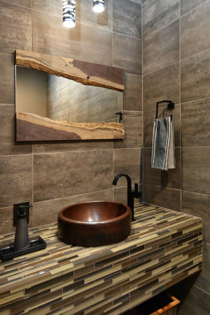 Cтолешница в ванной из мозаики 65 ярких фотоидей