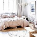Советы дизайнеров: как спланировать зонирование и интерьер спальни-гостиной на 17 кв. м фото