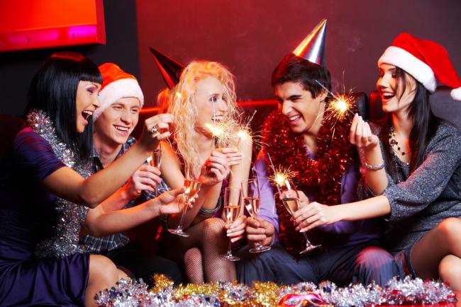 Яркий веселый праздник в компании друзей