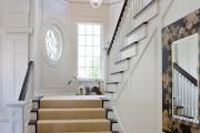Фото 8 П-образная лестница на второй этаж: виды конструкций и особенности выбора материалов