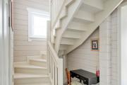 Фото 11 П-образная лестница на второй этаж: виды конструкций и особенности выбора материалов