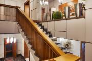 Фото 14 П-образная лестница на второй этаж (60+ фото): стильные дизайнерские лестницы в интерьерах 2019 года