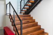 Фото 1 П-образная лестница на второй этаж (60+ фото): стильные дизайнерские лестницы в интерьерах 2018 года