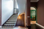 Фото 25 П-образная лестница на второй этаж (60+ фото): стильные дизайнерские лестницы в интерьерах 2019 года