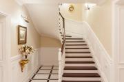 Фото 29 П-образная лестница на второй этаж (60+ фото): стильные дизайнерские лестницы в интерьерах 2019 года