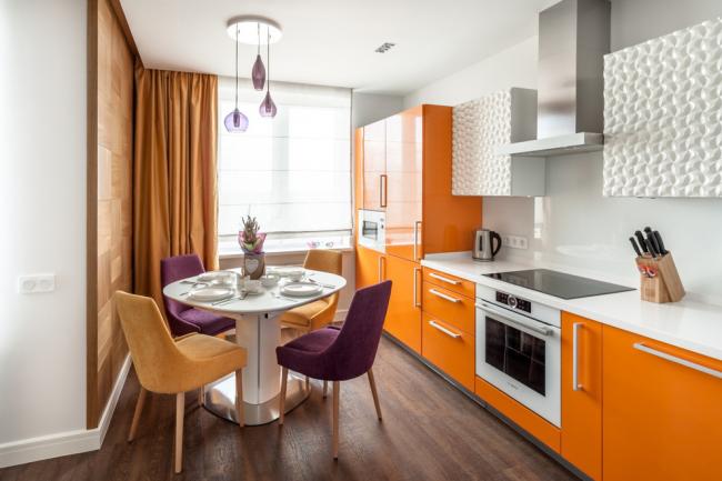 Ярко-оранжевая современная кухня в стиле модерн
