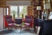 Фото 15 Роскошь венге и мореного дуба: выбираем темную мебель для интерьера