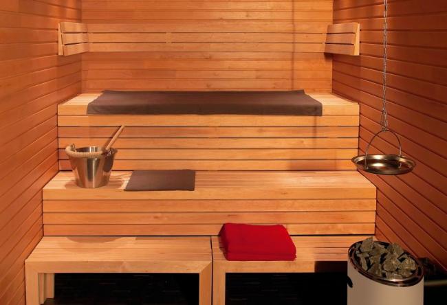 Пример меблирования внутри бани