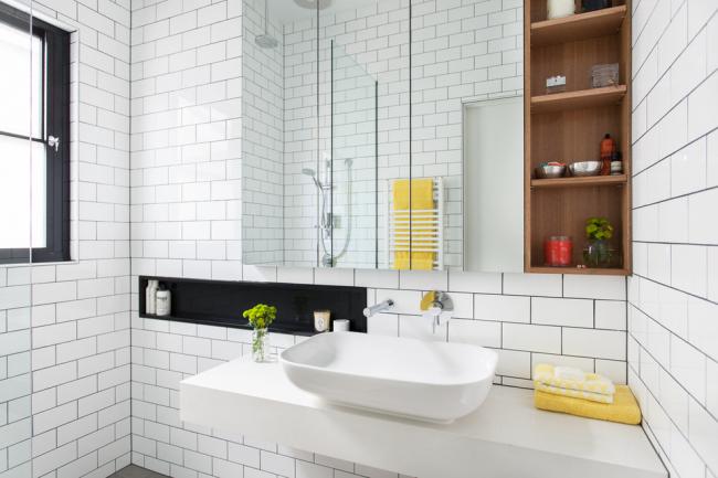 Столешница из бетона в интерьере ванной комнаты
