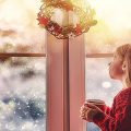 Как украсить окно на Новый год? Подборка идей и простых мастер-классов своими руками фото