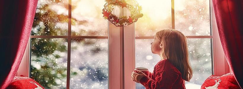 Как украсить окно на Новый год? Подборка идей и простых мастер-классов своими руками