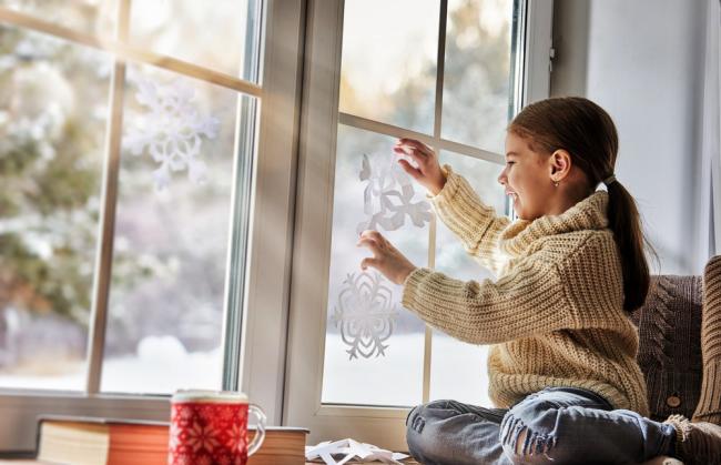 Привлекая к декору детей - вы дарите им ещё больше новогоднего настроения