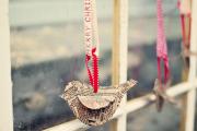Фото 12 Как украсить окно на Новый год? Подборка идей и простых мастер-классов своими руками