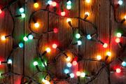 Фото 27 Как украсить окно на Новый год? Подборка идей и простых мастер-классов своими руками