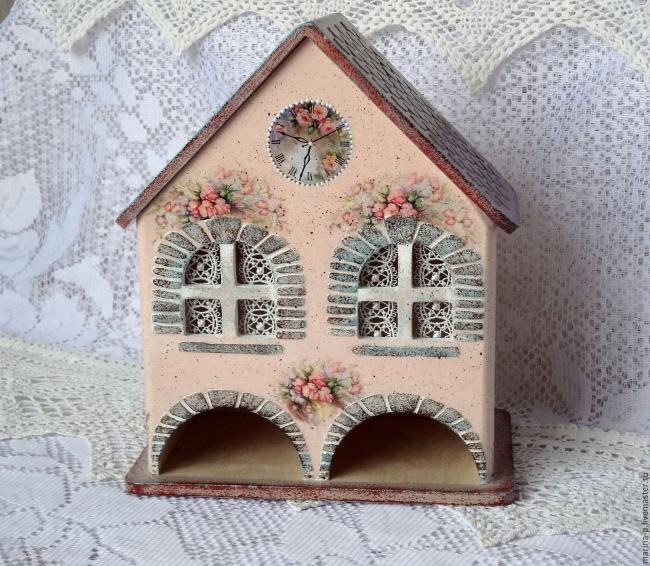Прекрасный чайный домик на два столбика пакетиков