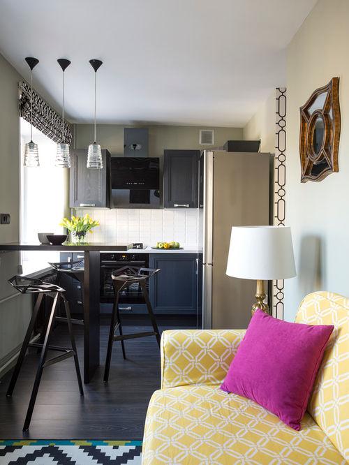 Барная стойка и высокие стулья не займут много места, но станут изюминкой кухни
