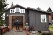 Фото 2 Загородный дом экономкласса (60+ фото проектов): советы экспертов — как с умом сэкономить на строительстве?