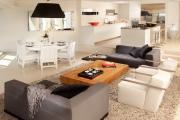Фото 16 Гостиная 30 кв. метров: зонирование, дизайн-планировки и 65+ современных фото интерьеров