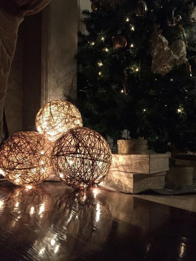 Декоративные шары с подсветкой
