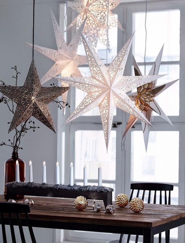Декоративные светильники над обеденным столом