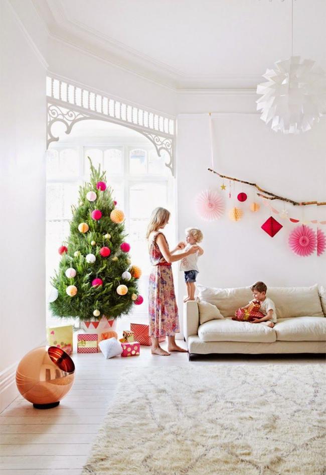 Новогодняя елка, украшенная в европейском стиле