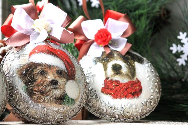 Украшения с изображением собаки отлично подойдут для декора в 2018 году