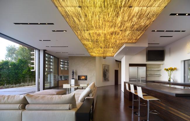 Подвесной потолок со световыми панелями