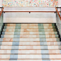 Керамическая плитка для лестницы (60+ фото): виды, варианты укладки и советы экспертов фото