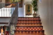 Фото 15 Керамическая плитка для лестницы (60+ фото): виды, варианты укладки и советы экспертов