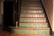 Фото 19 Керамическая плитка для лестницы (60+ фото): виды, варианты укладки и советы экспертов