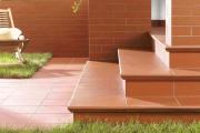 Фото 1 Керамическая плитка для лестницы (60+ фото): виды, варианты укладки и советы экспертов
