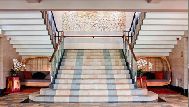 Шикарная восточная лестница