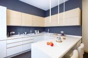 Фото 1 Дизайн кухни 8 кв. метров: функциональные идеи и современные варианты отделки